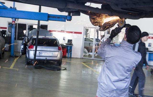 自動車整備工